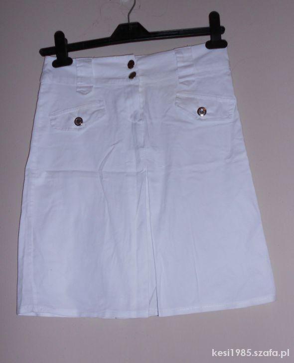 biała spódnica s