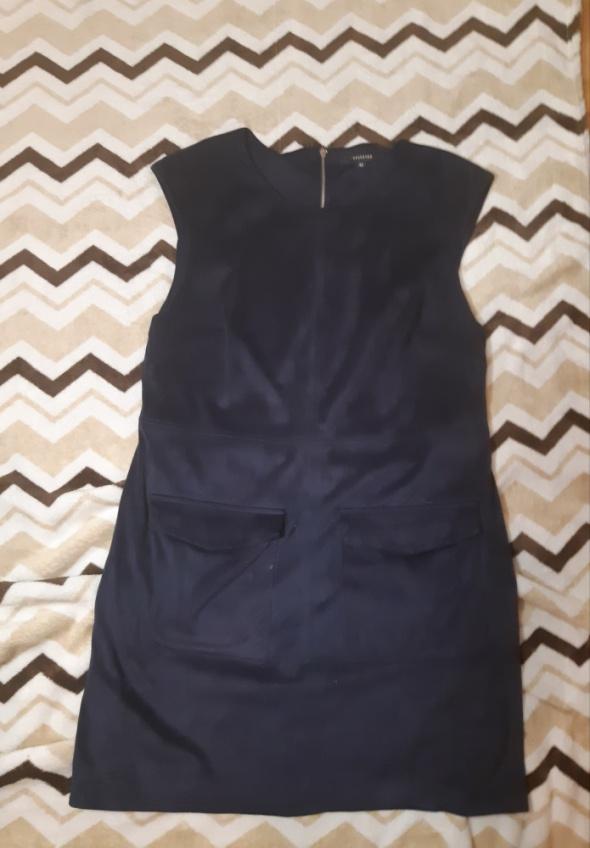 Granatowa sukienka Reserved 42