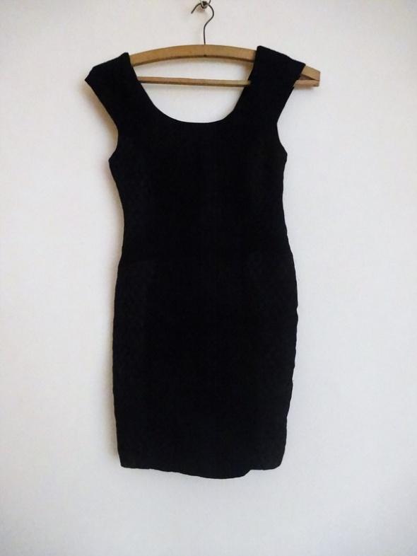 sukienka mała czarna Zara s 36 dekolt plecy suwak
