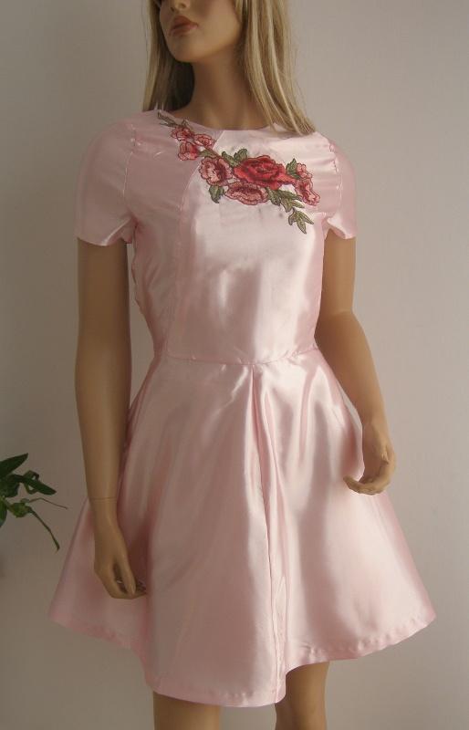 Sukienka naszywki róże kwiaty S M nowa haft