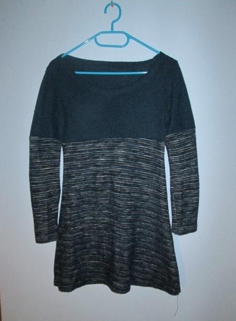 Niebieska tunika turkusowy sweterek z długim rękawem
