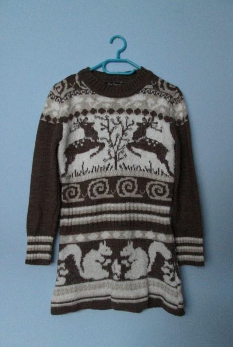 Świąteczny zimowy sweterek z jeleniem