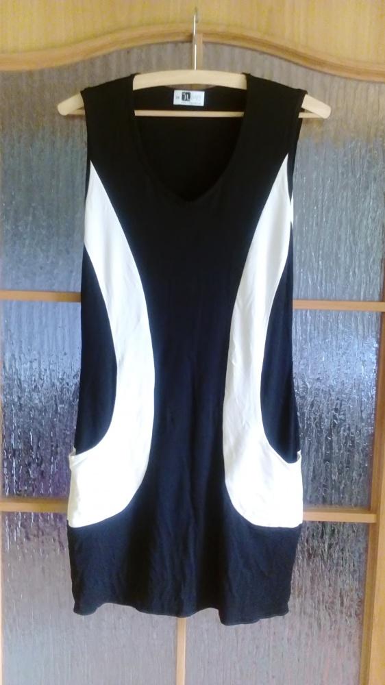 Sukienka z kieszeniami wyszczuplająca 38 40