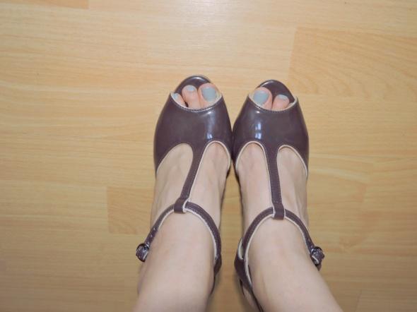 sandały bordowe szpilki