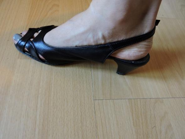 czarne sandały mały obcas skórzane 36