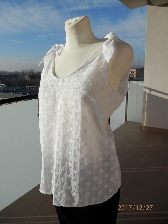 Bluzka Zara Śnieżnobiała Modne Wiązania Wymarzona na Lato Nowa L