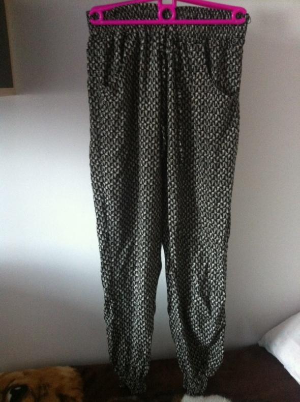 Szerokie spodnie alladynki Dresy etniczne wzory M