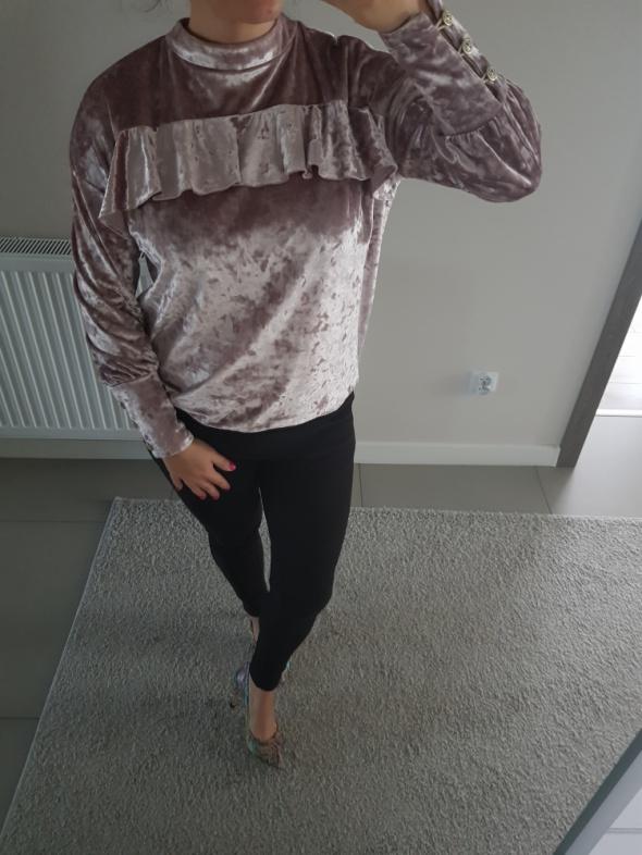 Piękna bluzka bluza