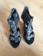 Wysokie czarne sandały rozmiar 38...