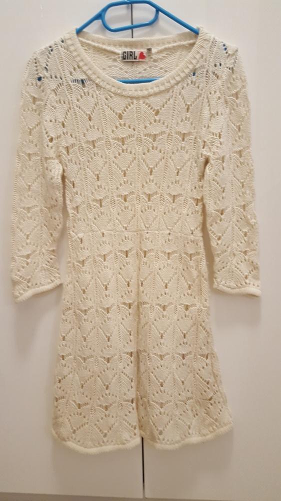 Sweterkowa sukienka ecru