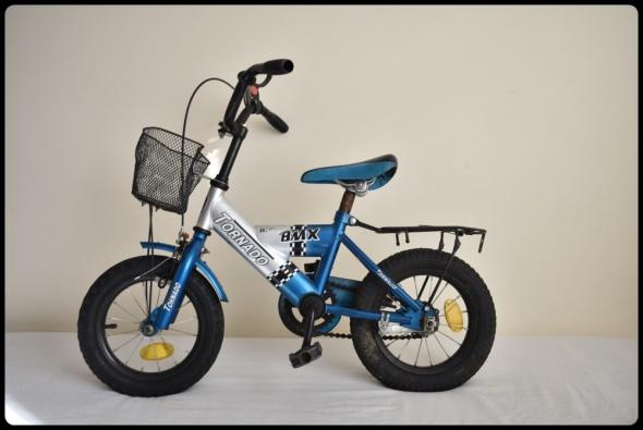 Rower dziecięcy BMX TORNADO 12 cali z koszyczkiem