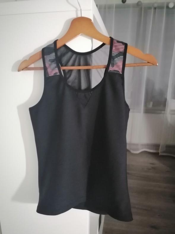 czarna koszulka do ćwiczeń z siateczką
