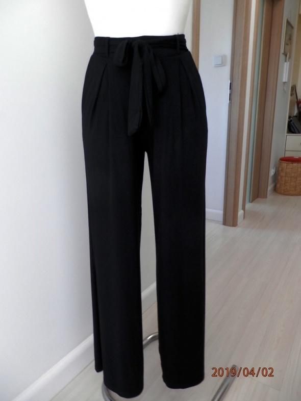 Spodnie River Island Czarne Paperbag z Paskiem Wysoki Stan XS