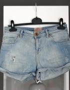 szorty krótkie spodenki bershka jasny dżins dżinsowe jeans jean...