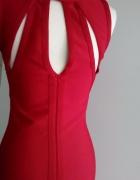 Klasyczna mała czerwona sukienka...