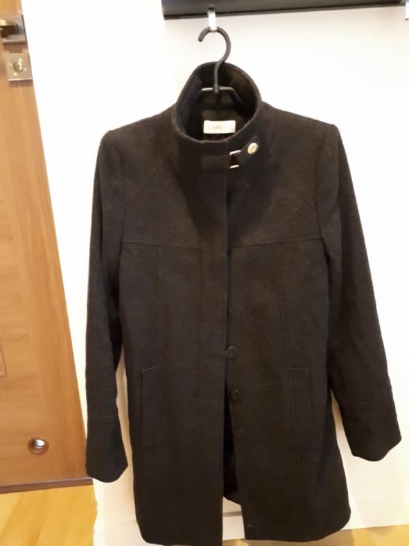 Wełniany płaszcz Camaieu...