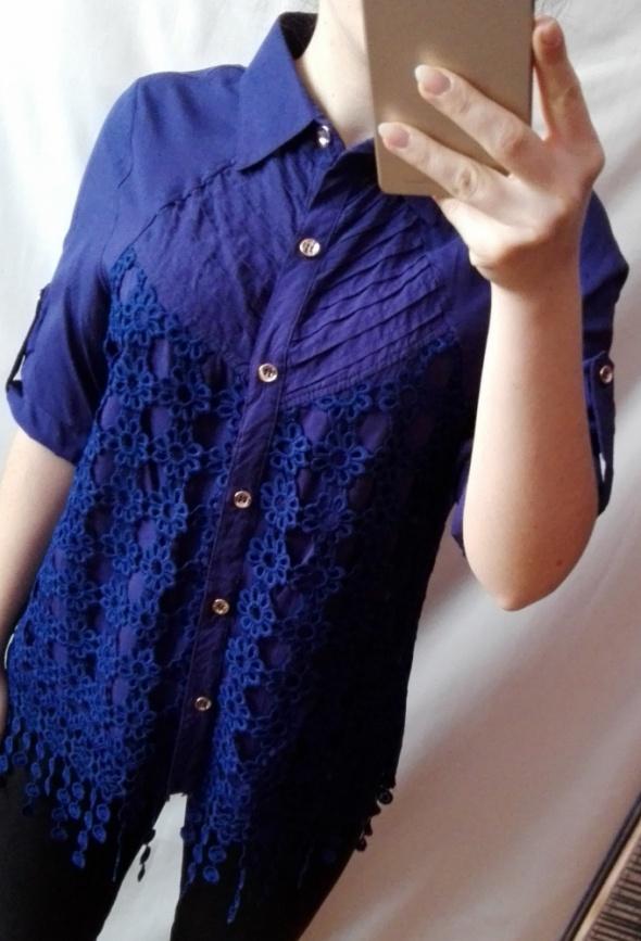 Koszula z haftem granatowa rozmiar XS S