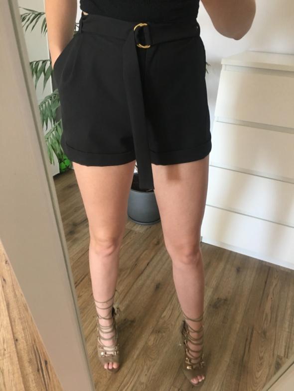 Spodenki krótkie eleganckie