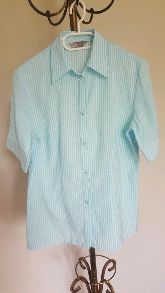 Koszula w błękitną kratę