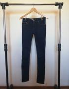 Granatowe spodnie dżinsy jeans rurki niski stan rozmiar 27...