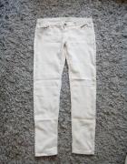 Spodnie beżowe Denim Co w rozmiarze 42...