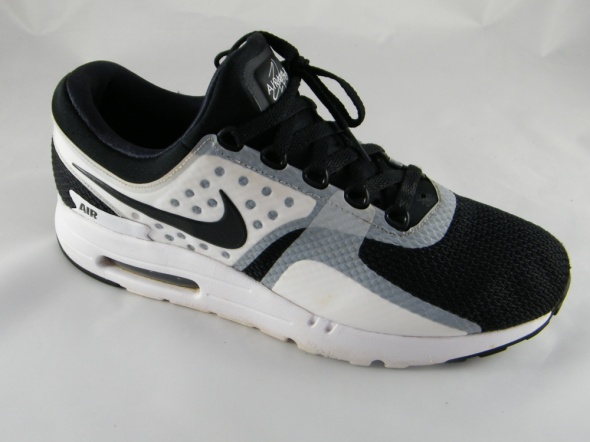 Nike Air Max Zero Essential...