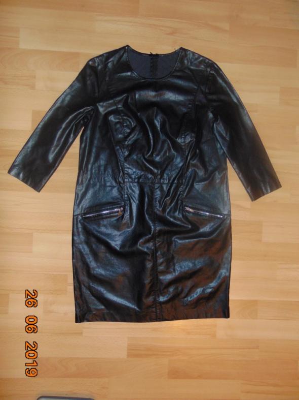 czarna mini sukienka skóra eko