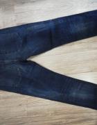 Granatowe jeansy...