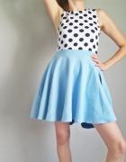 Piękna błękitna spódnica z koła...