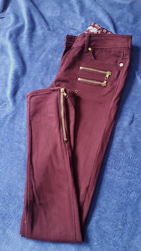 Spodnie bordowe S 36 Denim CO złote zamki