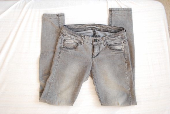szare spodnie rurki terranova xs s...