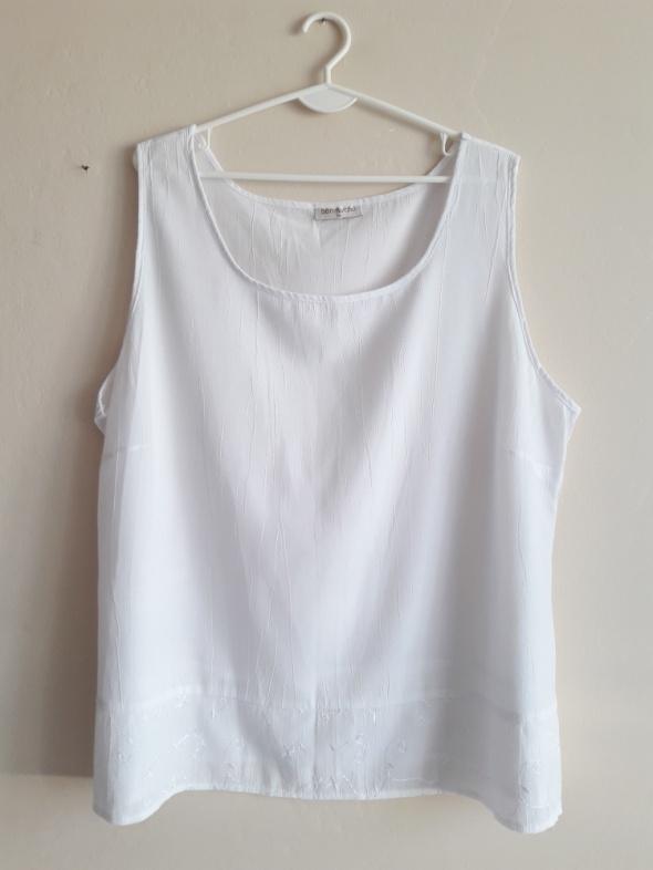 Biała bluzka bez rękawów Bonmarche...