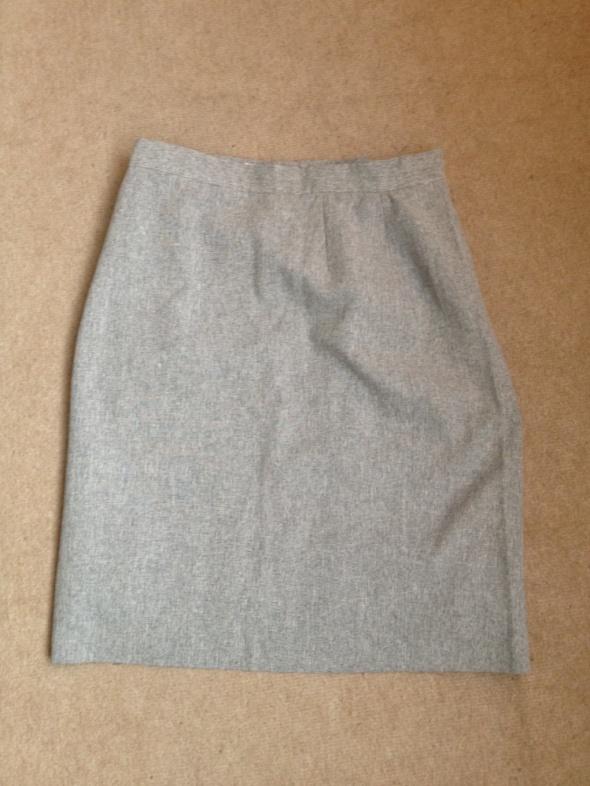 szara ołówkowa spódniczka
