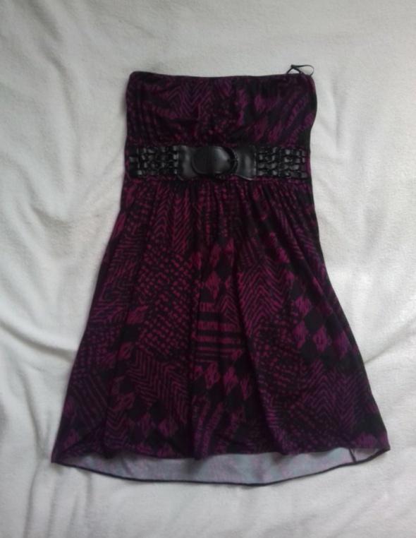 Sukienk bez ramiączek rock łańcuszki pasek New Yorker...