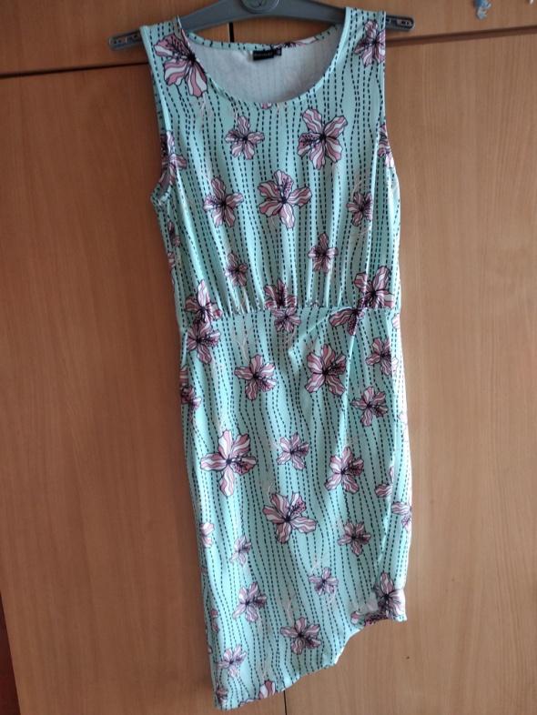 Sukienka w kwiaty Bodyflirt 36 38