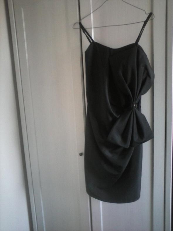 sukienka mała czarna z kokardą...