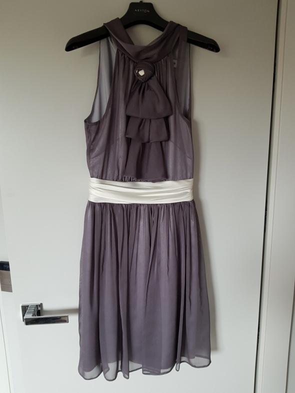 Srebrna sukienka wieczorowa koktajlowa...