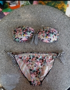 Bikini w kwiatki wiązane Ocean Club 40...