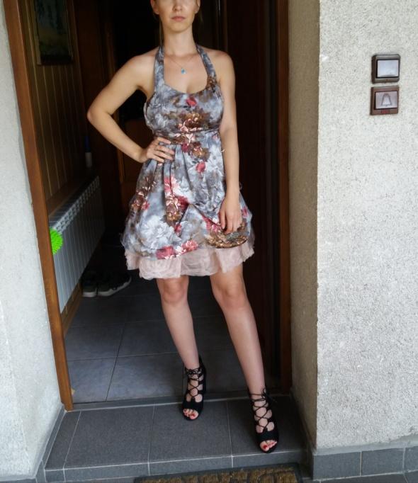Sukienka w kwiaty pin up girl z tiulem...