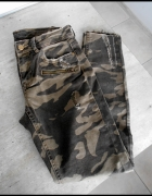Zara nowe jeansy moro wojskowe rurki khaki...