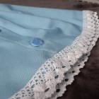 Spódnica zapinana na guziczki wykonczona koronka baby blue