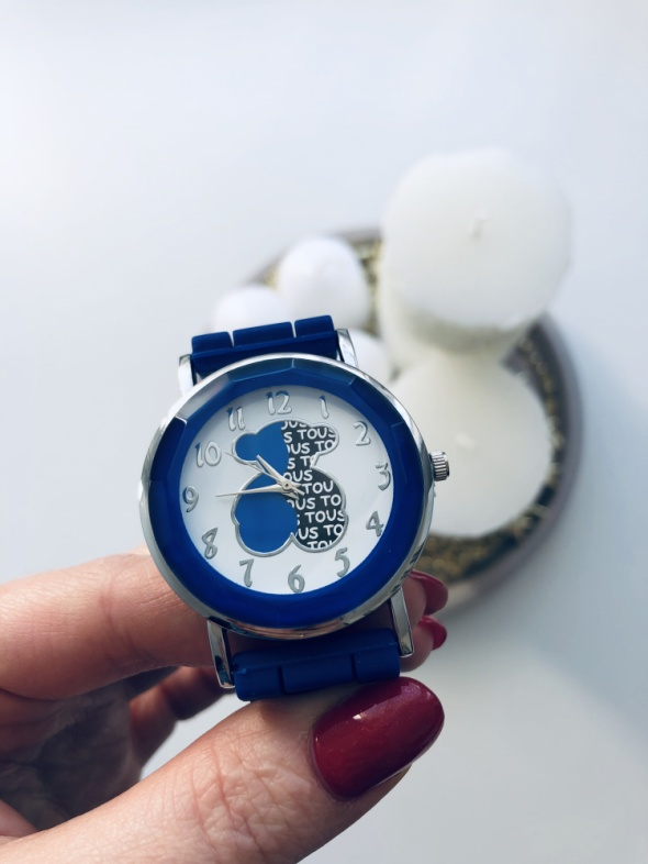 Nowy zegarek logo Tous chaber
