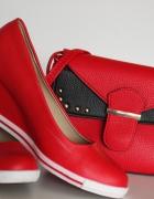 Czerwone półbuty Jenny FerryCCC bądź torebka...