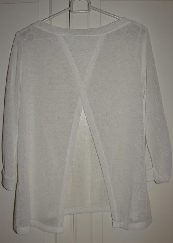 Sweterek biały...