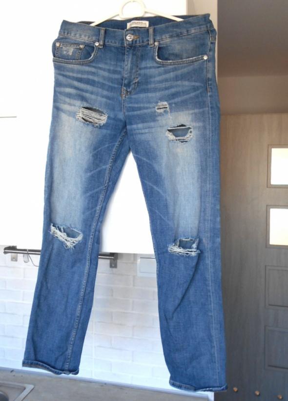 Zara jeansy boyfriend dziury...