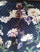 Granatowa spodenko spódniczka w kwiaty...
