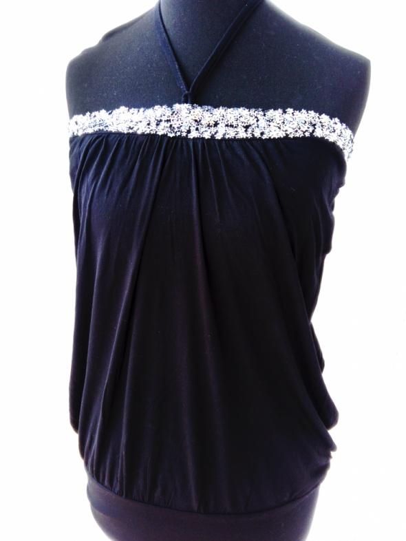 Czarna tunika sukienka gwiazdy Vero Moda...