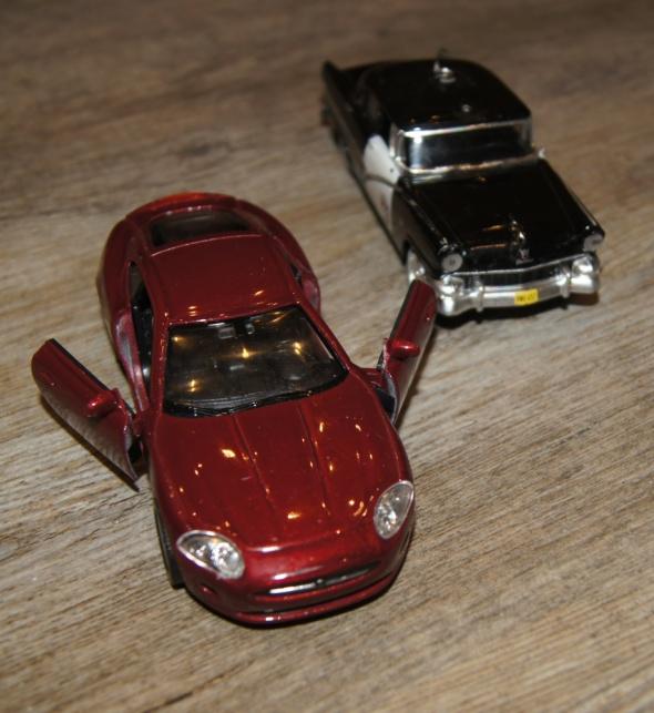 Autka samochody zestaw bordowy czarny...