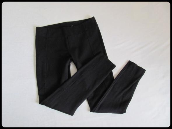 Spodnie Reserved spodnie na gumce tregginsy czarne 40 L