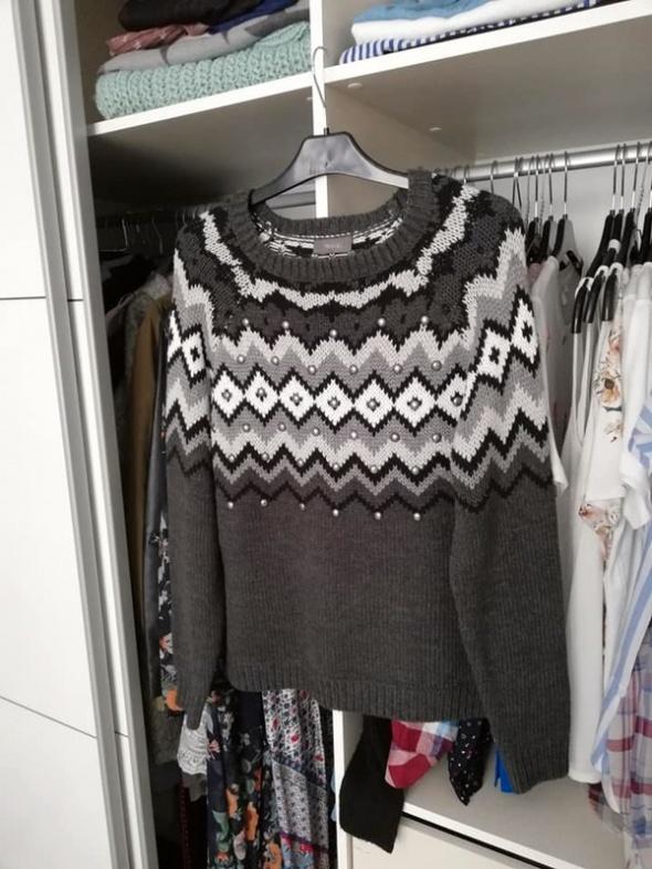 C&A nowy norweski sweter z nitami...